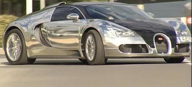 karim benzema shows up for real madrid training in bugatti. Black Bedroom Furniture Sets. Home Design Ideas